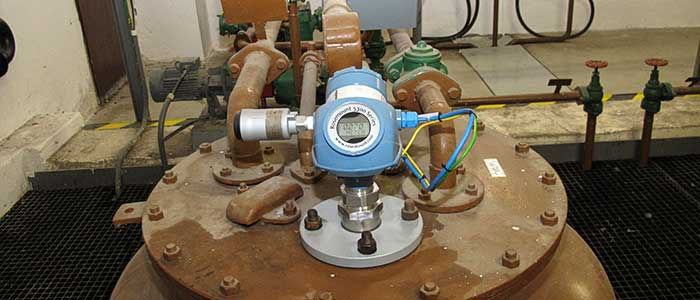 لول ترانسمیتر راداری برای اندازه گیری سطح مایعات